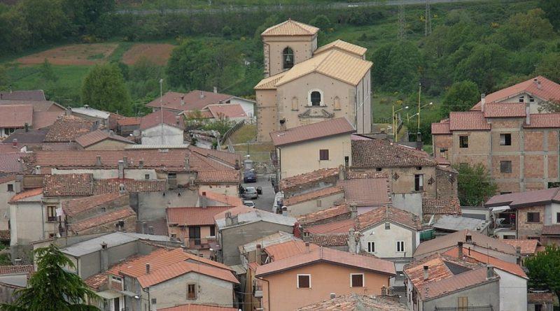 """Santo Stefano di Rogliano, appello ai vacanzieri: """"chi rientra comunichi"""""""