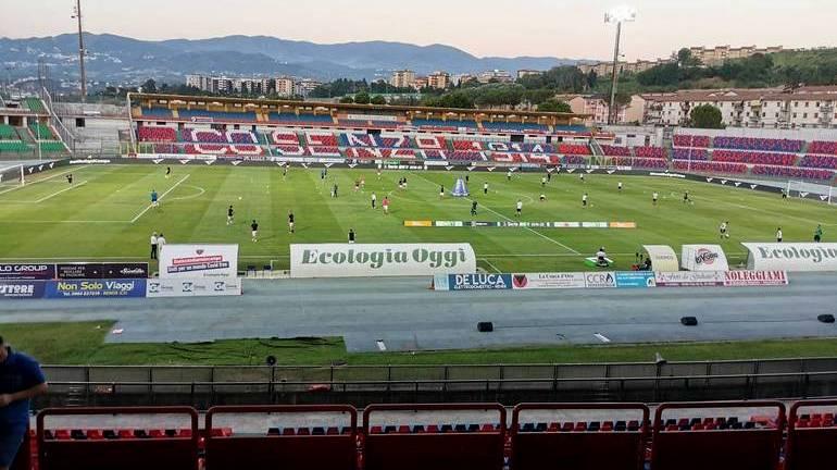 Calcio, il Cosenza perde in casa contro l'Ascoli. Situazione di classifica difficile per i Lupi